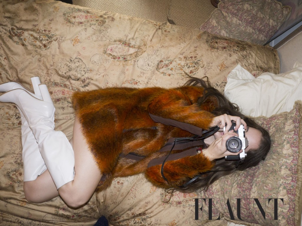 2015_08_19 HAIM photograohed at Villa Le Reve in Los Angeles for Flaunt magazine.