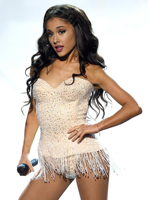 Ariana Grande -AMA (1)