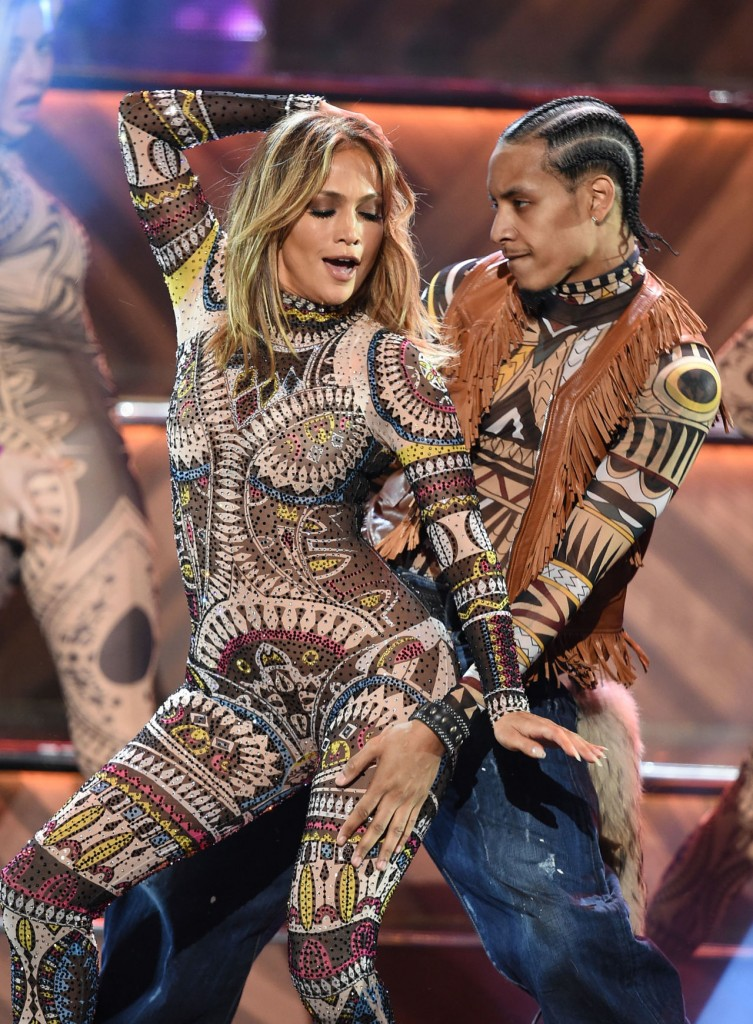 gallery-1448250211-jlo-jumpsuit
