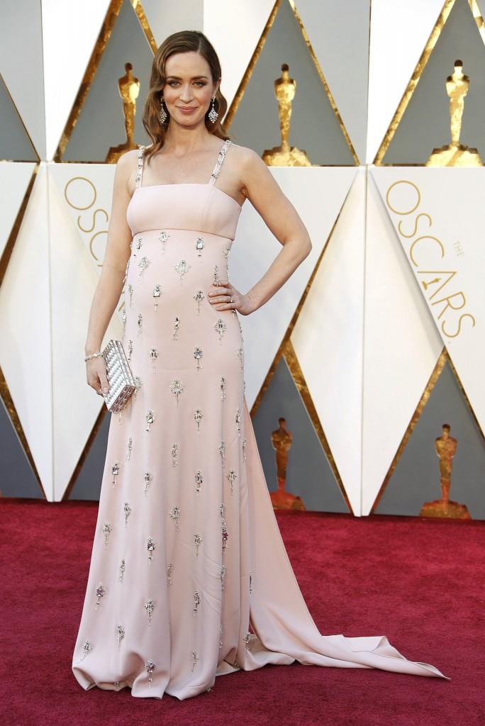 Emily Blunt-Oscars-2016 (2)