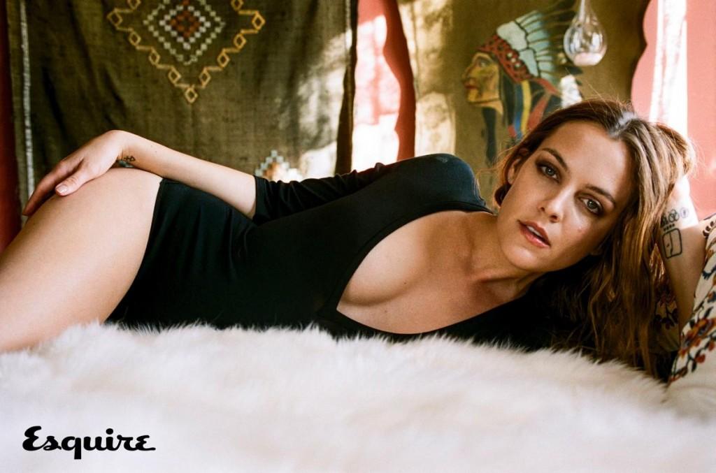 Riley Keough - Esquire magazine (1)