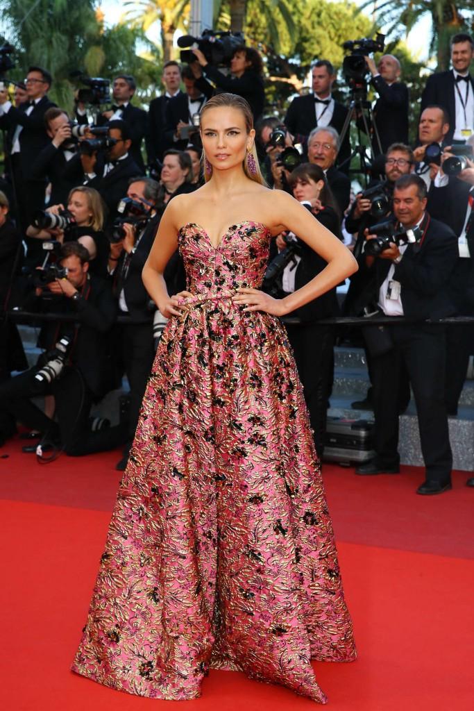Natasha-Poly_-Julieta-Premiere-2016-Cannes Film-Festival (2)