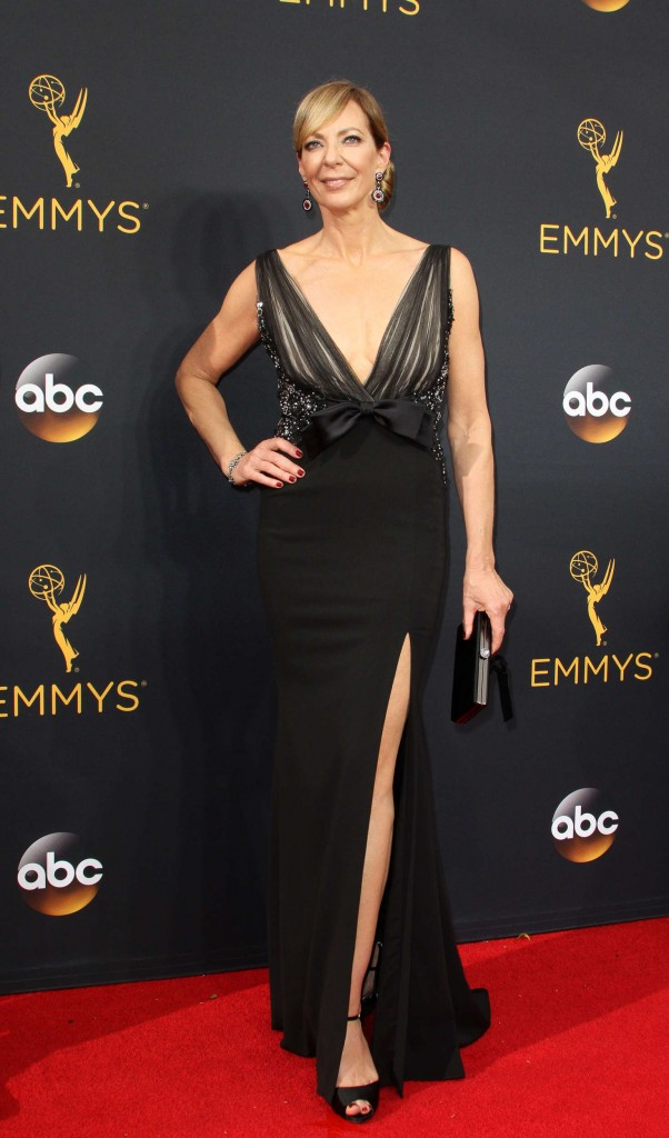 allison-janney-2016-emmy-awards-2
