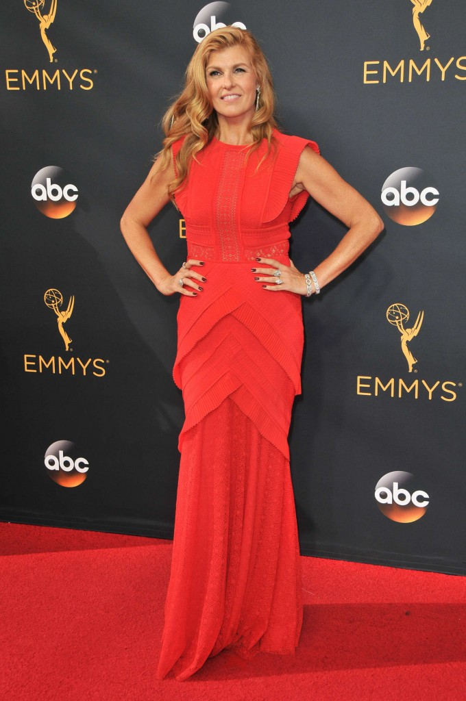 connie-britton-2016-emmy-awards-1