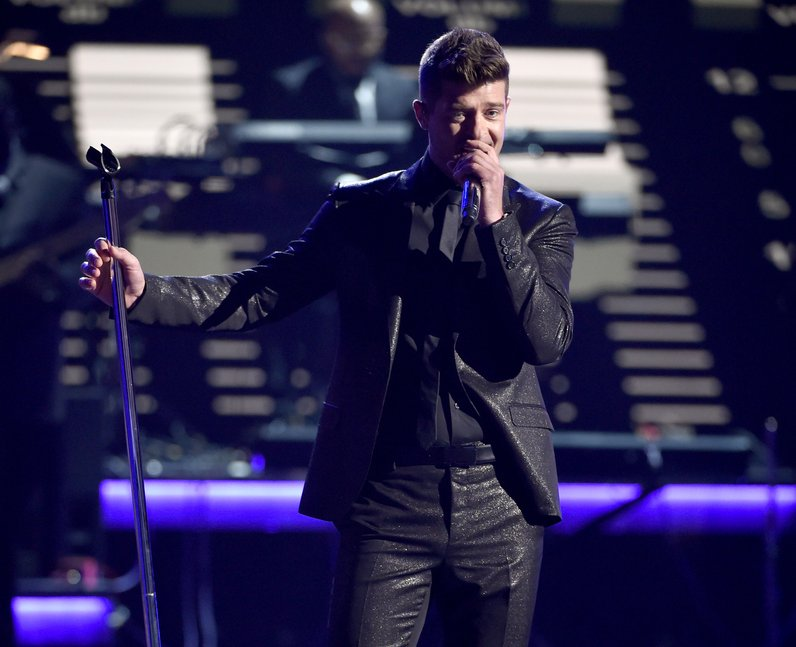 Robin Thicke - 2015 BET Awards (2)