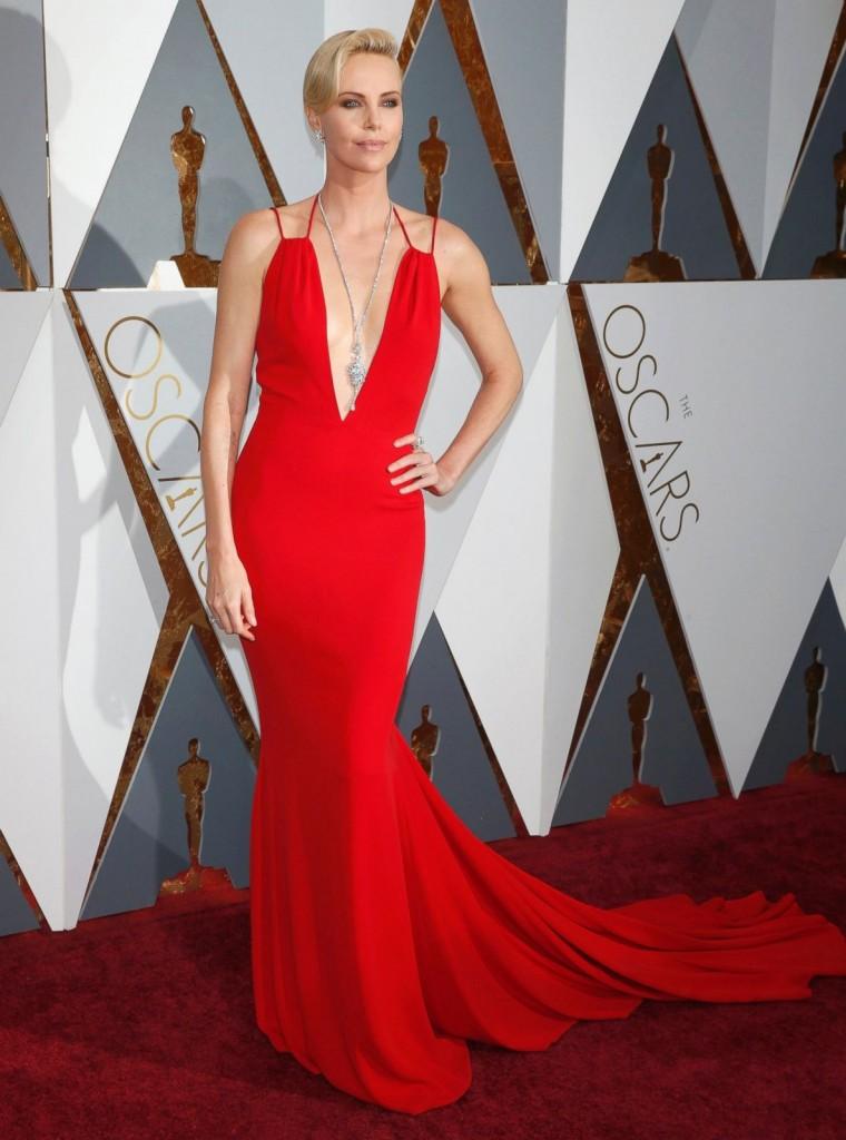 Charlize Theron - 2016 Oscars (5)