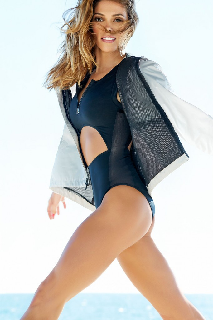 Shape Mag- Ashley Greene (2)