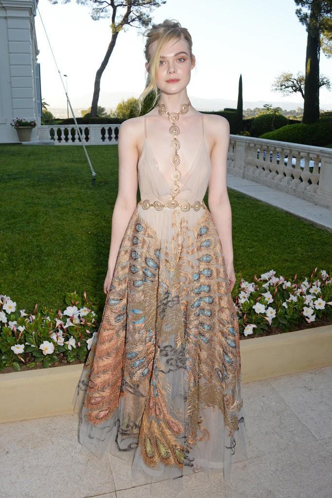 Elle-Fanning-Dress-amfAR-Gala-Cannes-2016